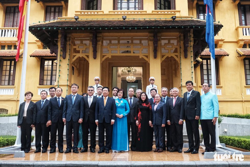 Lễ thượng cờ kỷ niệm 53 năm thành lập ASEAN - Ảnh 7.