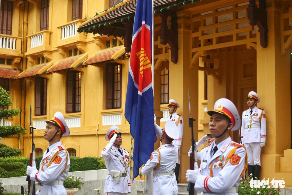 Lễ thượng cờ kỷ niệm 53 năm thành lập ASEAN - Ảnh 6.