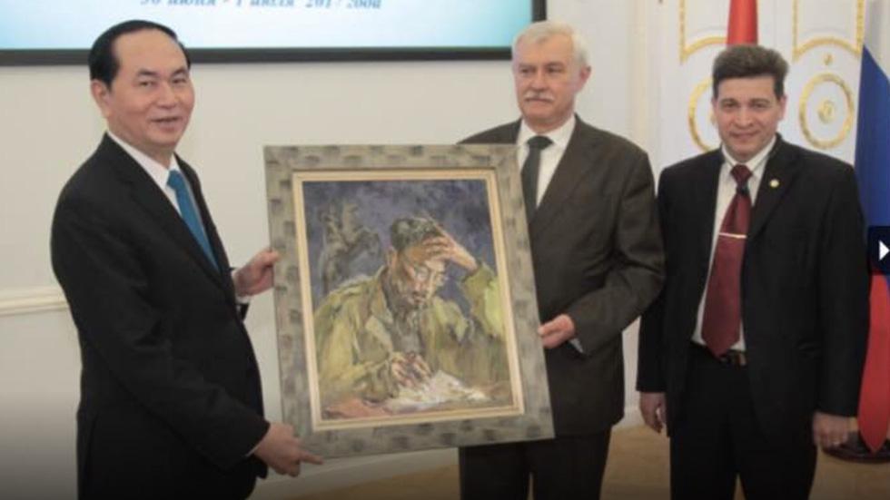 Tuman Zhumabaev - họa sĩ Nga mê Việt Nam đắm đuối - qua đời - Ảnh 2.