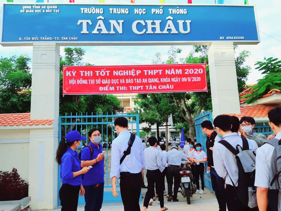 Thi tốt nghiệp THPT 2020: Những sự trợ giúp đặc biệt - Ảnh 7.