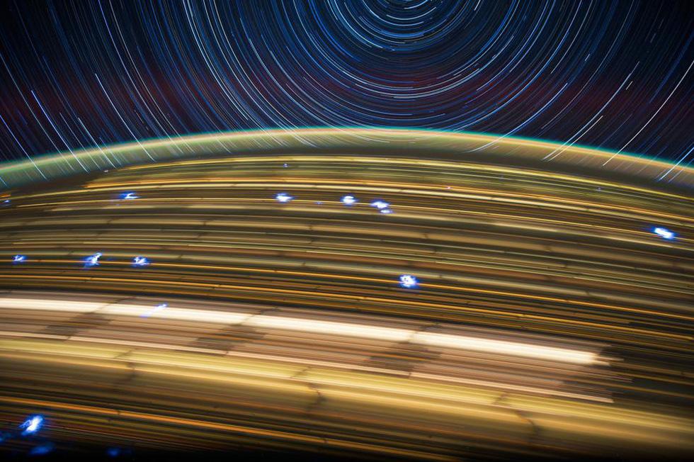Ngắm sao tuyệt đẹp từ Trạm vũ trụ quốc tế - Ảnh 2.
