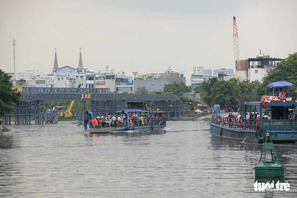 Mùa Vu lan viếng Miếu Nổi Phù Châu 200 tuổi nằm giữa sông Bến Cát - Sài Gòn - Ảnh 3.