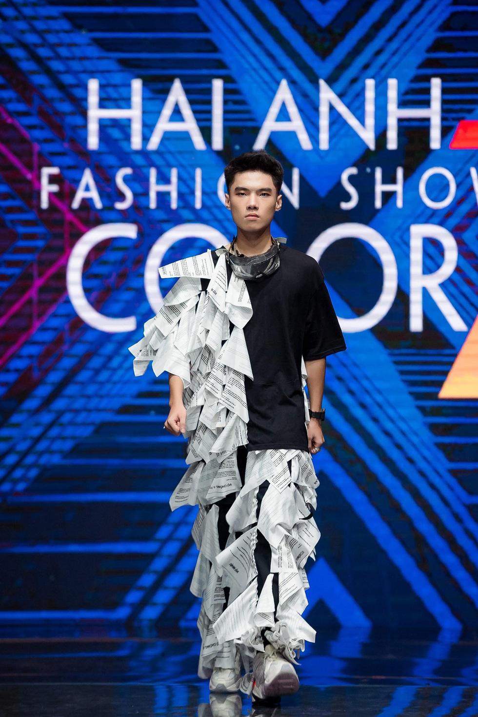 Choáng ngợp trước show diễn thời trang đồng phục lớp đầu tiên tại Việt Nam - Ảnh 7.