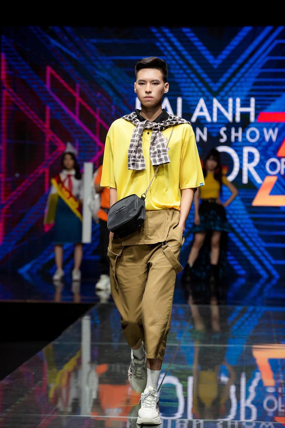 Choáng ngợp trước show diễn thời trang đồng phục lớp đầu tiên tại Việt Nam - Ảnh 8.