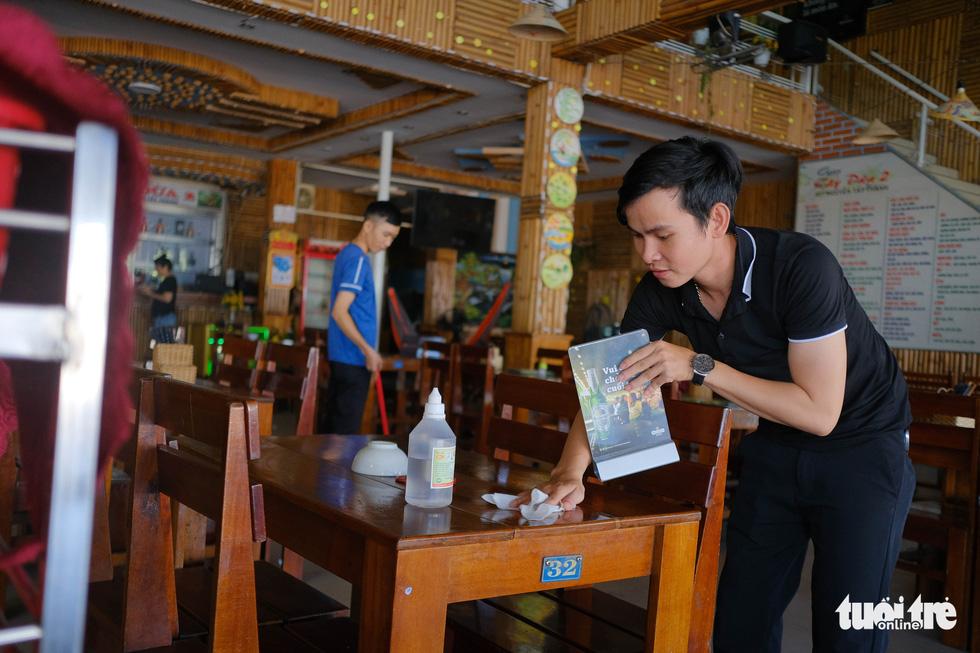 Dân Đà Nẵng phấn khởi ăn sáng, cà phê, đi mua sắm từ 11-9 - Ảnh 3.