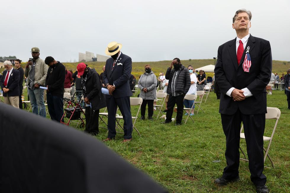 Mỹ tưởng niệm gần 3.000 nạn nhân tử vong do khủng bố ngày 11-9 - Ảnh 4.