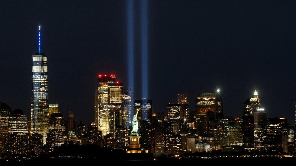 Mỹ tưởng niệm gần 3.000 nạn nhân tử vong do khủng bố ngày 11-9 - Ảnh 5.