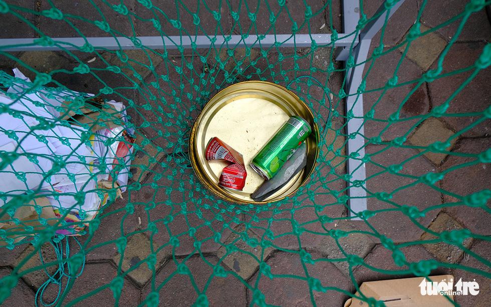 Hà Nội đổi rác lấy quà, đẩy mạnh ý thức phân loại rác tại nguồn - Ảnh 9.