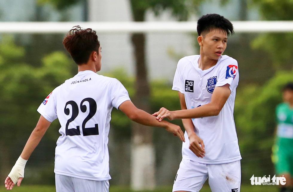 Đàn em Xuân Trường đá phạt góc ghi bàn ở ngày khai màn VCK U17 quốc gia 2020 - Ảnh 2.