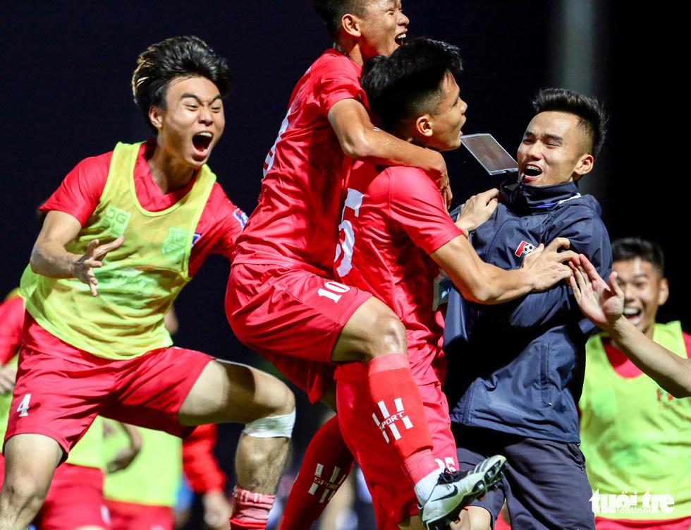 Đàn em Xuân Trường đá phạt góc ghi bàn ở ngày khai màn VCK U17 quốc gia 2020 - Ảnh 7.