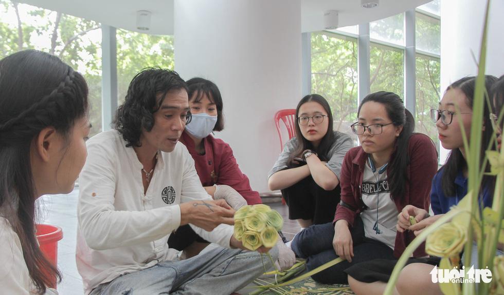 Nghệ nhân tất bật chuẩn bị giới thiệu hồn Tết Trung thu ở Bảo tàng Dân tộc học - Ảnh 5.