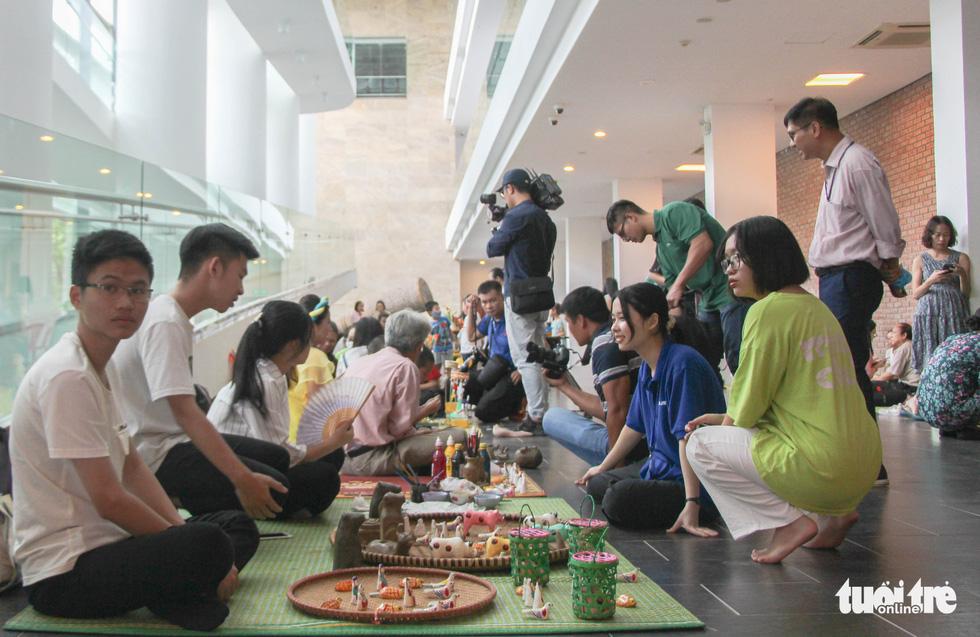 Nghệ nhân tất bật chuẩn bị giới thiệu hồn Tết Trung thu ở Bảo tàng Dân tộc học - Ảnh 8.