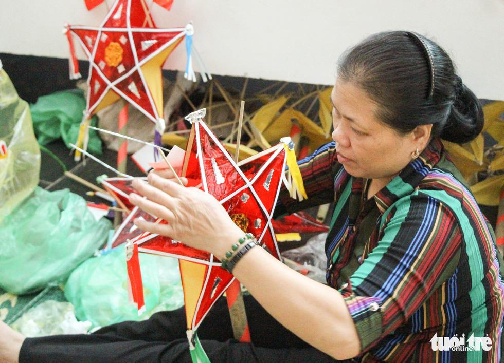 Nghệ nhân tất bật chuẩn bị giới thiệu hồn Tết Trung thu ở Bảo tàng Dân tộc học - Ảnh 1.
