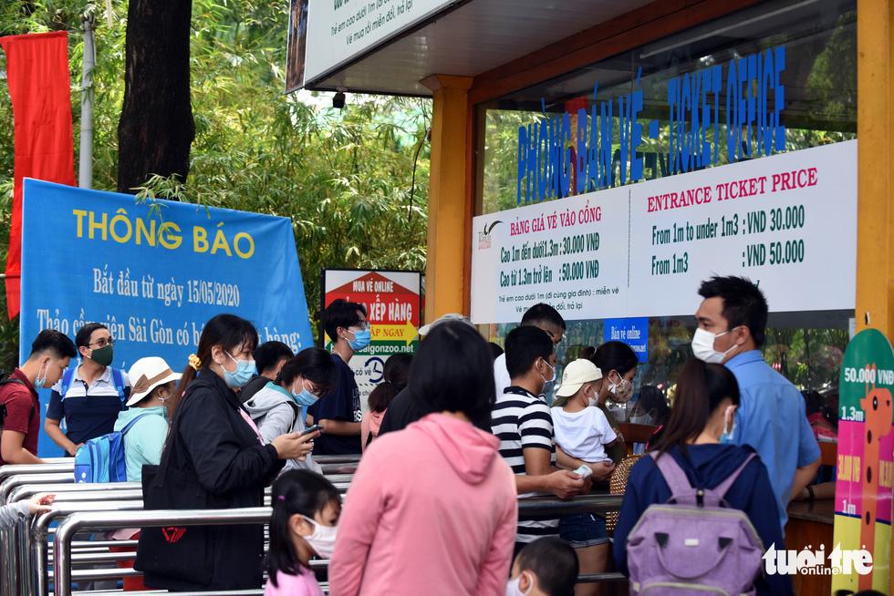 Thảo cầm viên Sài Gòn đông nghẹt khách đến chơi lễ - Ảnh 6.
