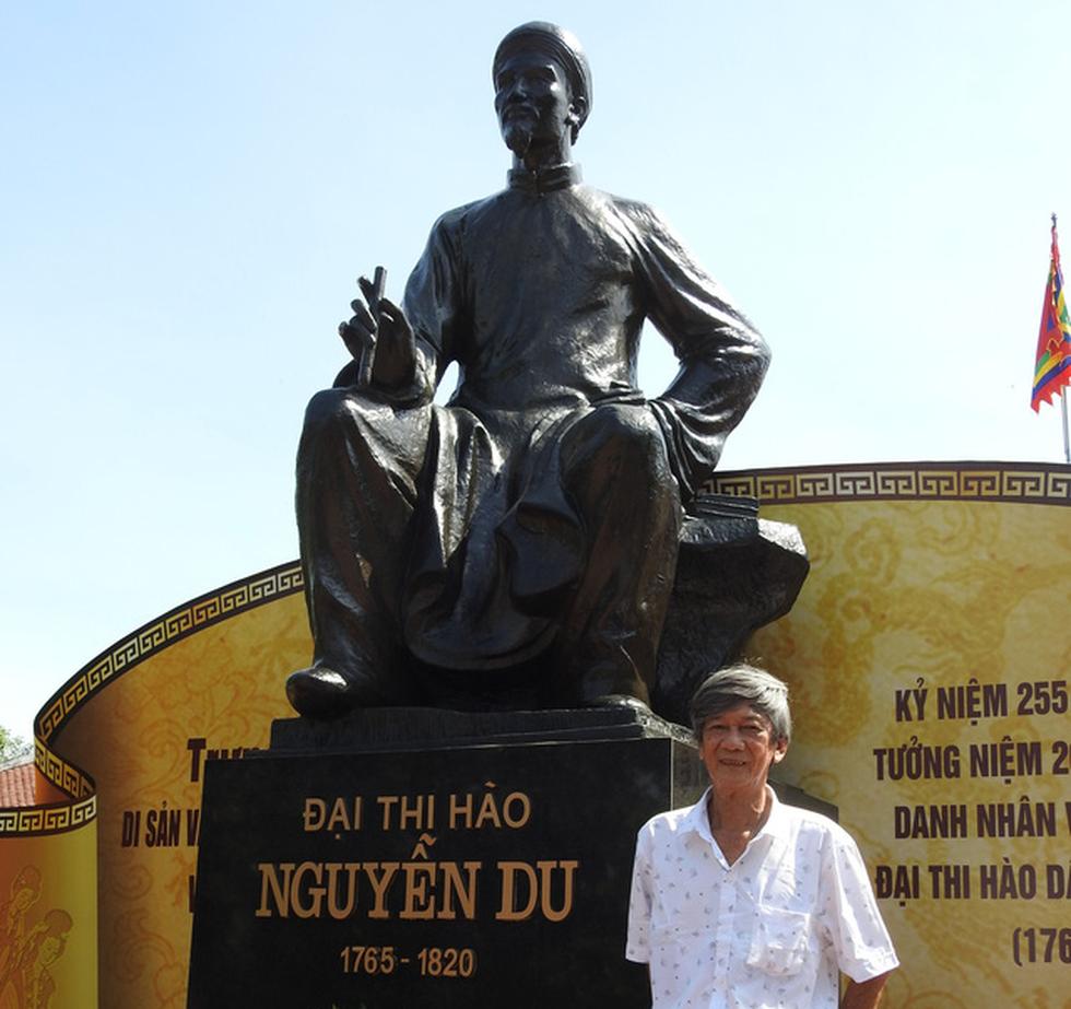 200 năm ngày mất Nguyễn Du: Mỗi tấm lòng đều nghiêng mình trước một thi hào uyên bác - Ảnh 3.