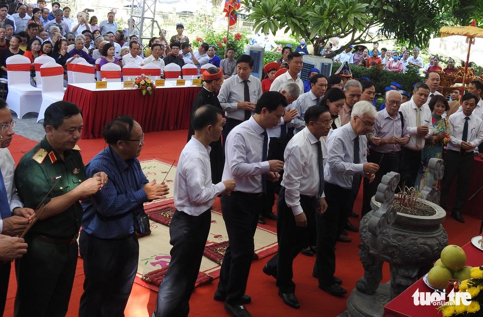 200 năm ngày mất Nguyễn Du: Mỗi tấm lòng đều nghiêng mình trước một thi hào uyên bác - Ảnh 2.