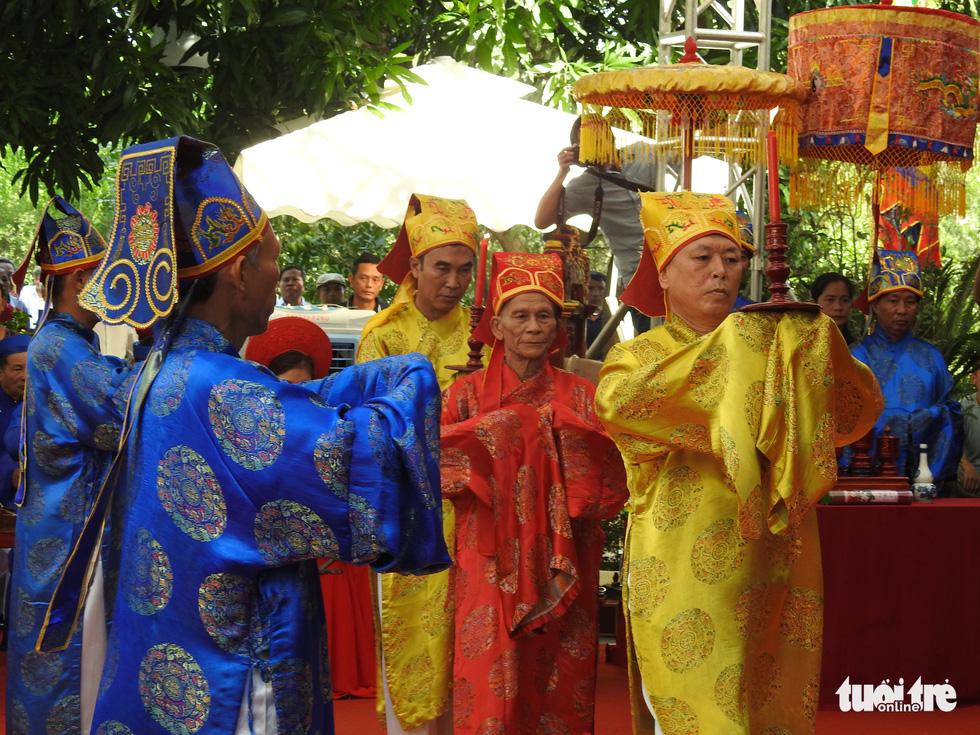 200 năm ngày mất Nguyễn Du: Mỗi tấm lòng đều nghiêng mình trước một thi hào uyên bác - Ảnh 6.