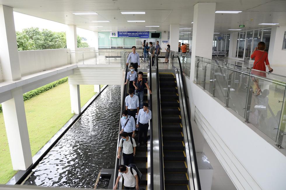 Cận cảnh Bệnh viện Ung bướu hiện đại, có sân đậu trực thăng - Ảnh 7.