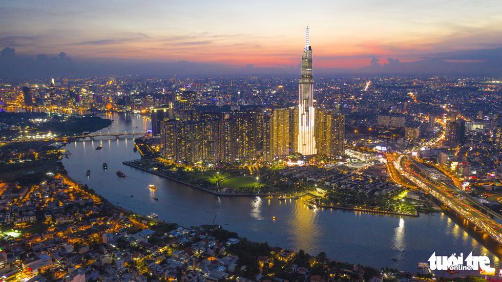 Ngắm Sài Gòn - thành phố hoa lệ bên những dòng sông - Ảnh 1.