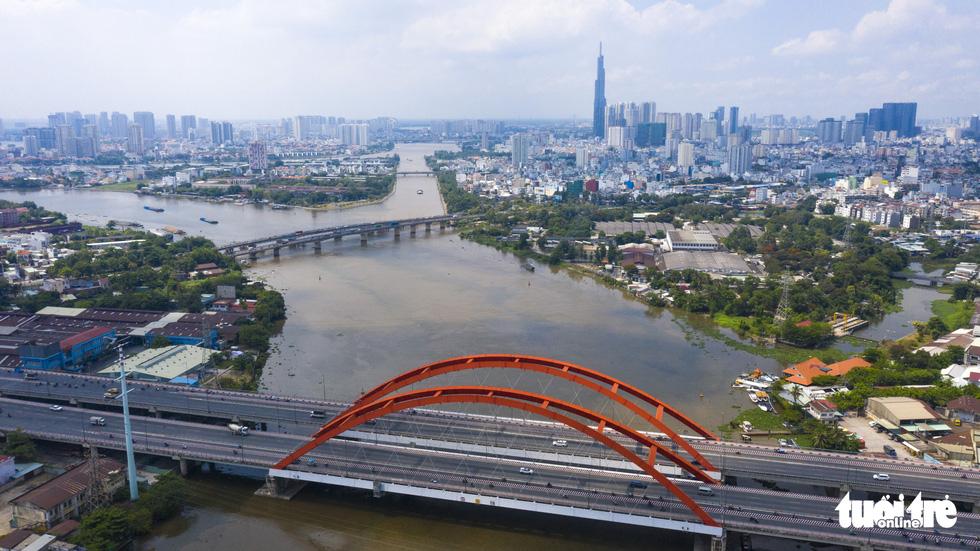 Ngắm Sài Gòn - thành phố hoa lệ bên những dòng sông - Ảnh 8.