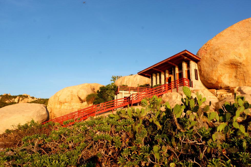 Ngắm ngôi nhà Anh hùng xây trên vách đá Ninh Thuận - Ảnh 8.