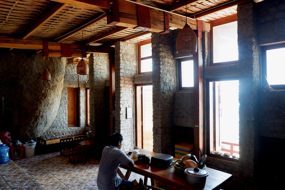 Ngắm ngôi nhà Anh hùng xây trên vách đá Ninh Thuận - Ảnh 3.