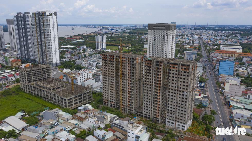 Cận cảnh cao ốc, chung cư, khách sạn... ngàn tỉ đang được rao bán - Ảnh 9.