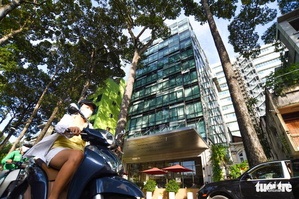 Cận cảnh cao ốc, chung cư, khách sạn... ngàn tỉ đang được rao bán - Ảnh 8.