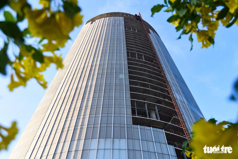 Cận cảnh cao ốc, chung cư, khách sạn... ngàn tỉ đang được rao bán - Ảnh 4.