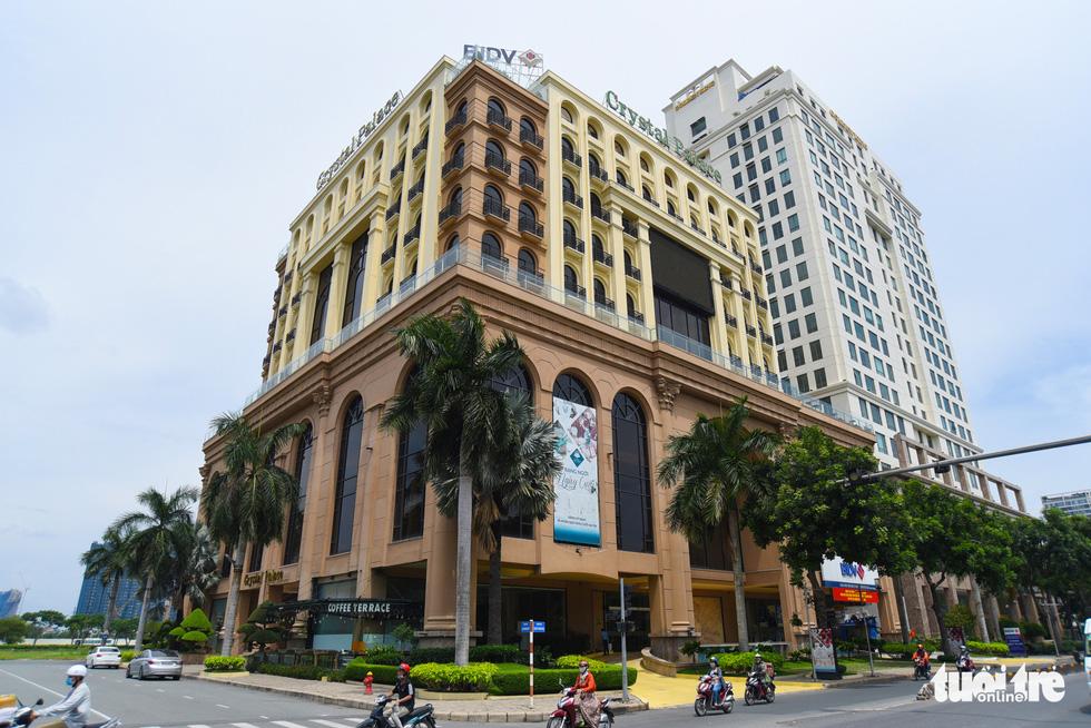 Cận cảnh cao ốc, chung cư, khách sạn... ngàn tỉ đang được rao bán - Ảnh 5.