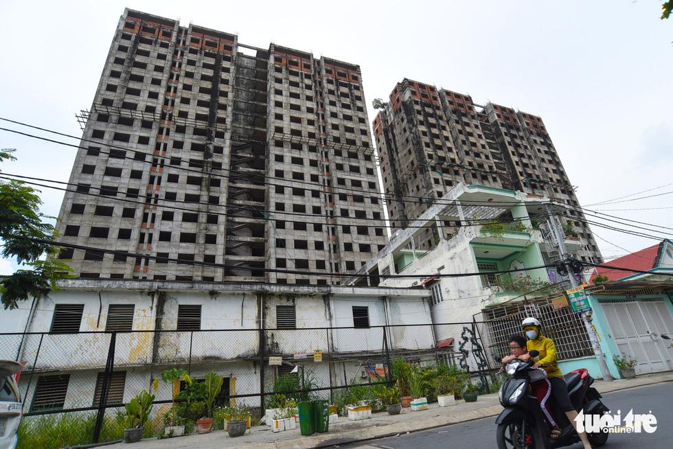 Cận cảnh cao ốc, chung cư, khách sạn... ngàn tỉ đang được rao bán - Ảnh 10.