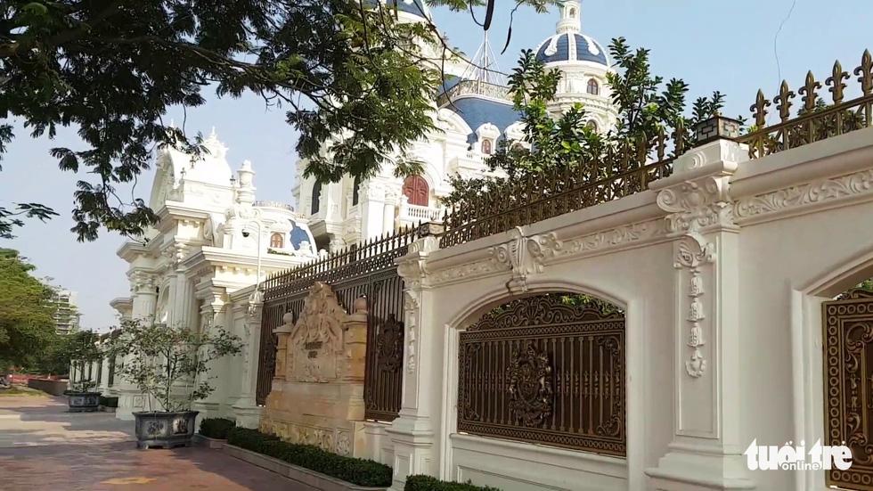 Những lâu đài hoành tráng của đại gia xăng dầu Ngô Văn Phát vừa bị bắt - Ảnh 8.