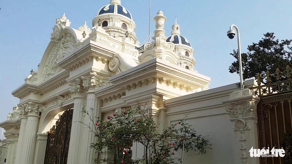 Những lâu đài hoành tráng của đại gia xăng dầu Ngô Văn Phát vừa bị bắt - Ảnh 7.