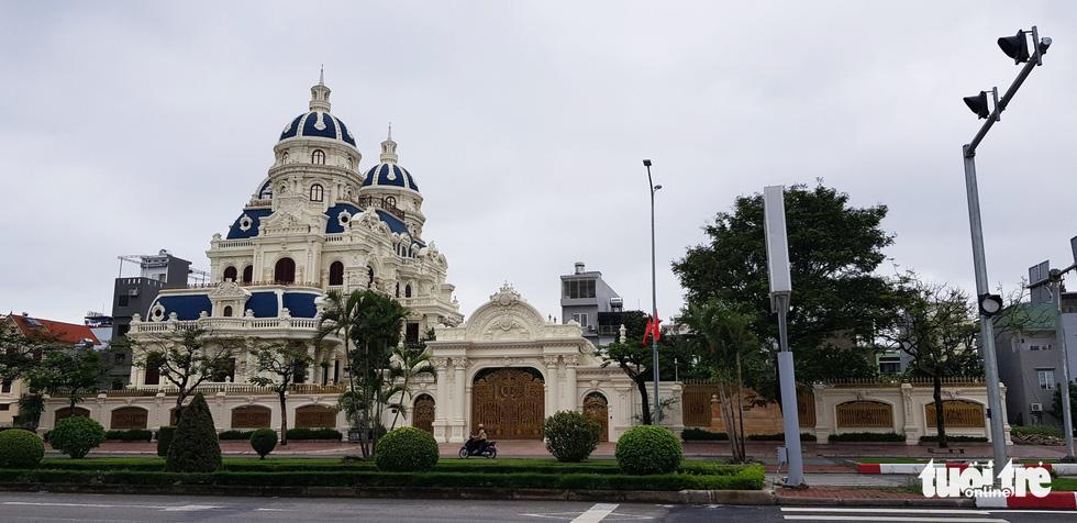 Những lâu đài hoành tráng của đại gia xăng dầu Ngô Văn Phát vừa bị bắt - Ảnh 6.