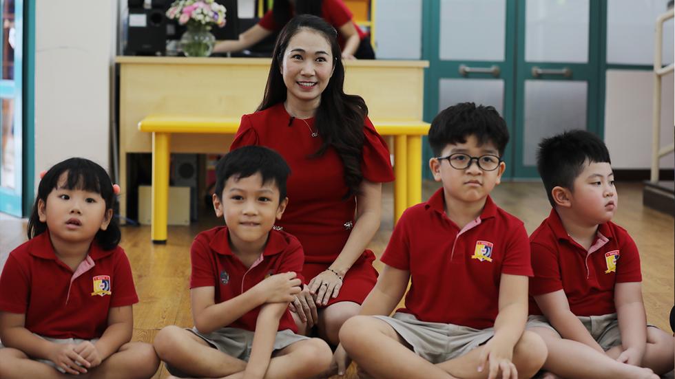 19h hôm nay 9-9 Royal School lên sóng 'Khám phá trường học' - Ảnh 1.