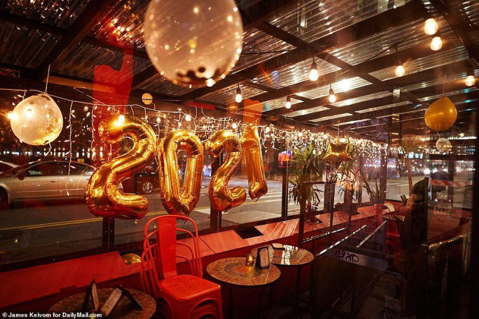 میدان تایمز خالی است ، بدون بوسه ، آرزوهای سال نو - تصویر 7.