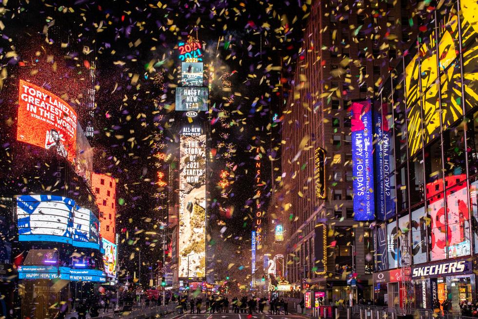 میدان تایمز خالی است ، بدون بوسه ، آرزوهای سال نو - تصویر 1.