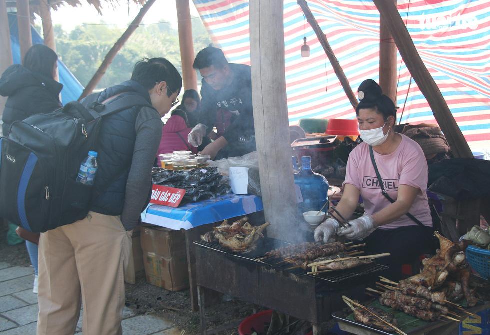 Chợ phiên vùng cao đưa về Hà Nội: Làm hay thì hút khách - Ảnh 10.
