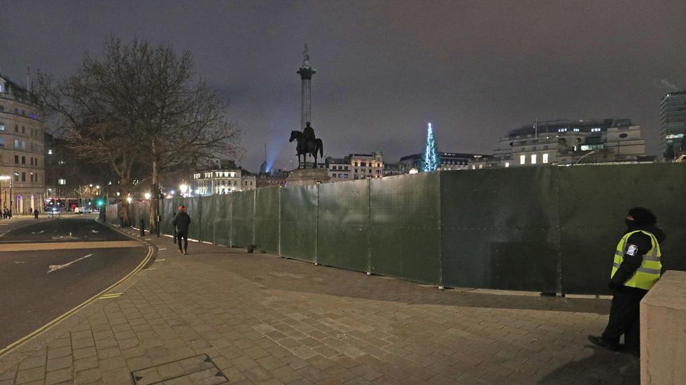 سال نو در انگلستان: زنگ زنگ بیگ بن به صدا در می آید ، اما هیچ کس در خیابان نیست - تصویر 5.