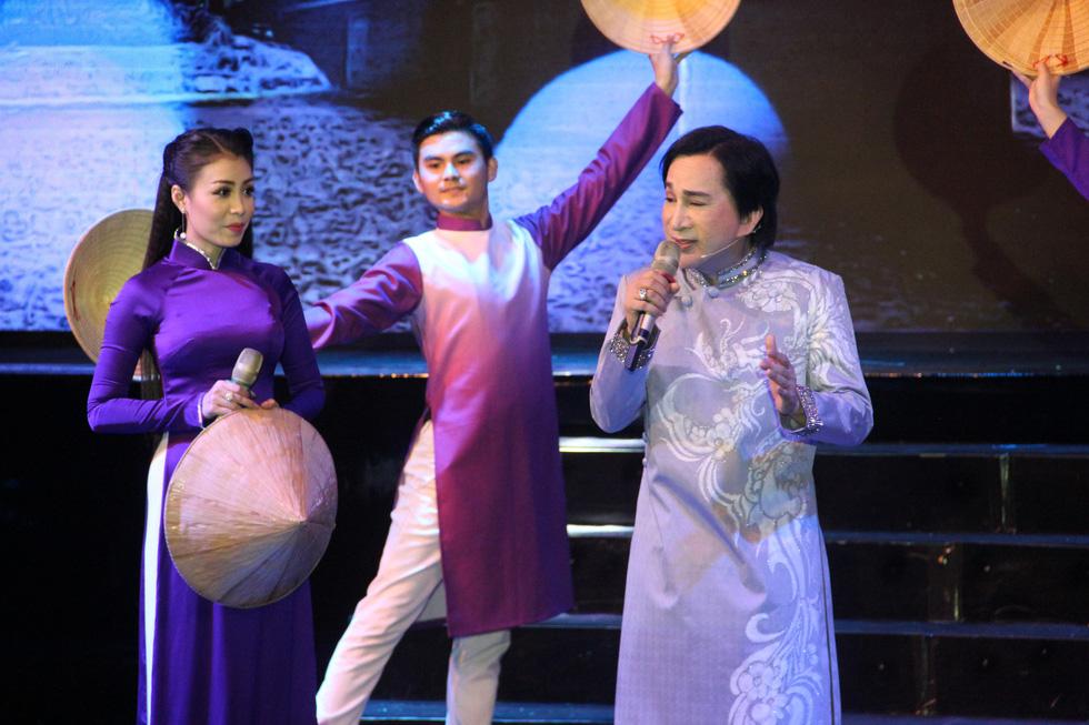 Đại Nghĩa ca cải lương tuồng cổ trong live show Kim Tử Long - Thoại Mỹ - Ảnh 6.