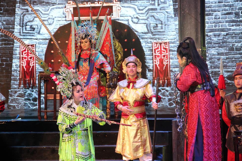 Đại Nghĩa ca cải lương tuồng cổ trong live show Kim Tử Long - Thoại Mỹ - Ảnh 12.