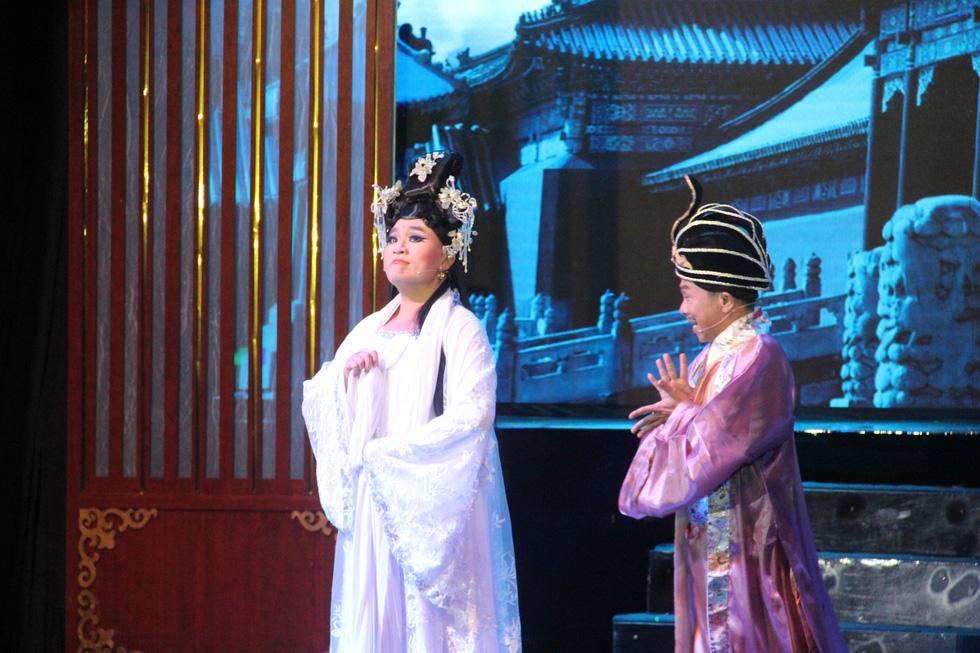 Đại Nghĩa ca cải lương tuồng cổ trong live show Kim Tử Long - Thoại Mỹ - Ảnh 2.