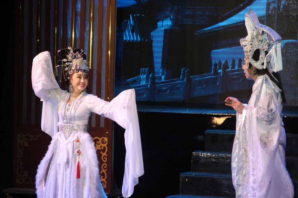 Đại Nghĩa ca cải lương tuồng cổ trong live show Kim Tử Long - Thoại Mỹ - Ảnh 11.