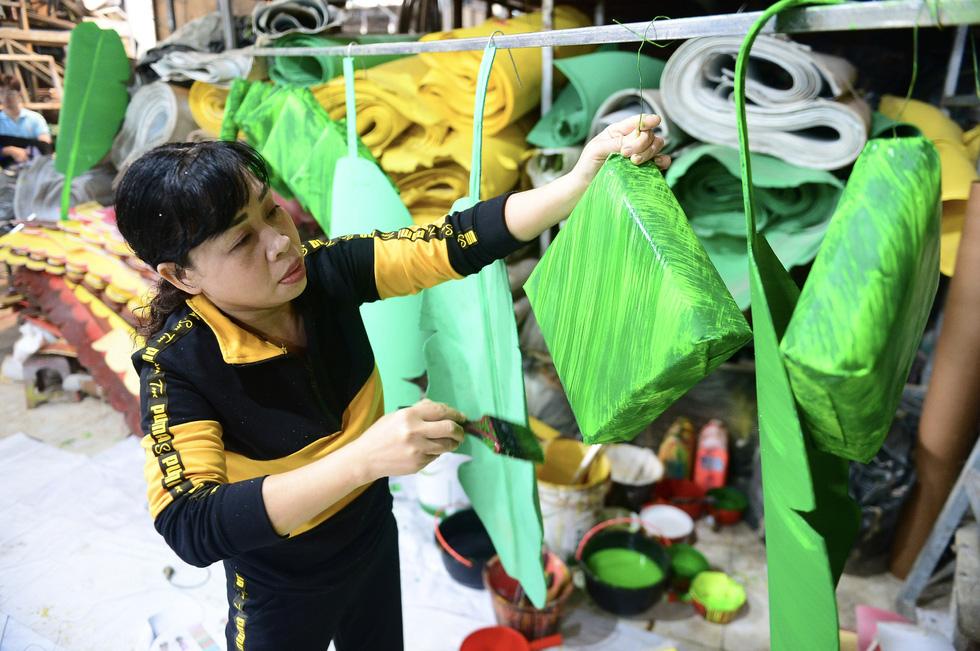 Vào hậu trường chế tác linh vật cho đường hoa Nguyễn Huệ 2021 - Ảnh 9.