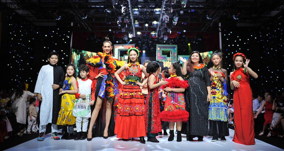 Phương Hồ đưa câu chuyện lịch sử vào thời trang áo dài - Ảnh 13.