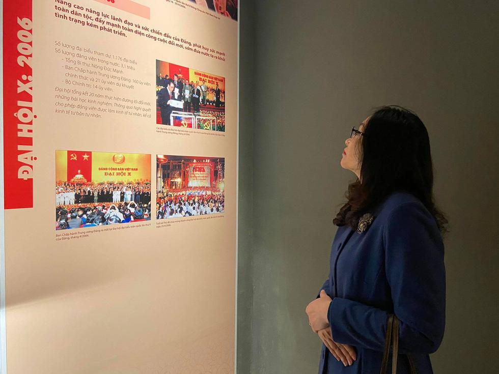 Xem hành trình xúc động hơn 90 năm của dân với Đảng qua 12 kỳ đại hội - Ảnh 3.