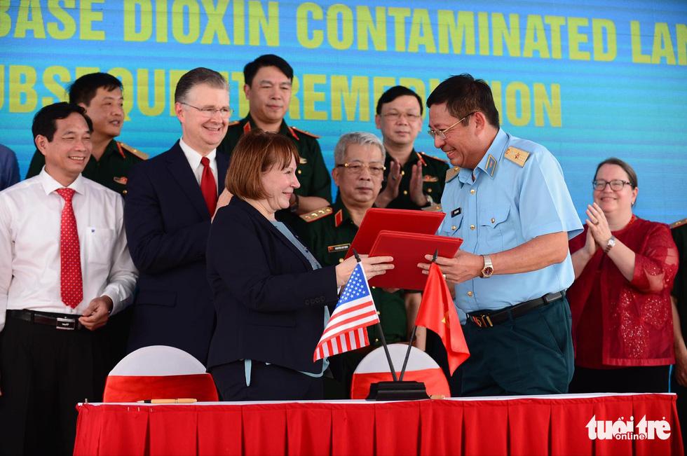 Công bố quy trình làm sạch dioxin ở sân bay Biên Hòa - Ảnh 12.