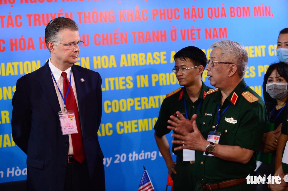 Công bố quy trình làm sạch dioxin ở sân bay Biên Hòa - Ảnh 13.