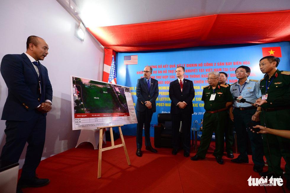 Công bố quy trình làm sạch dioxin ở sân bay Biên Hòa - Ảnh 14.