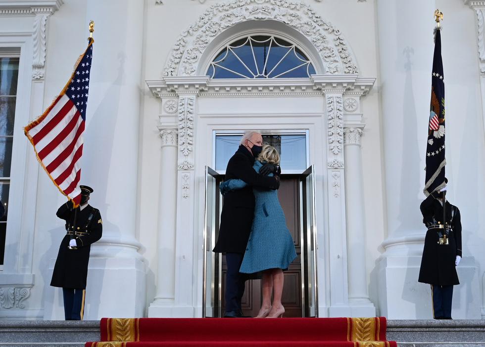 مروری بر مراسم تحلیف رئیس جمهور ایالات متحده جو بایدن از طریق عکس ها - عکس 17.